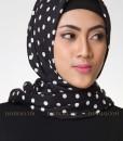black polkadot jilbab segi empat 1402