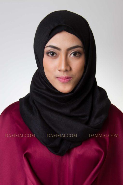hijab pasmina hitam 302