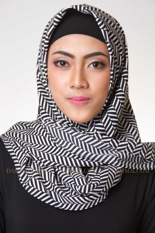 modern stripes hijab segi empat 1601