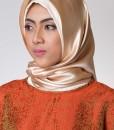 goldy peach hijab segi empat 402